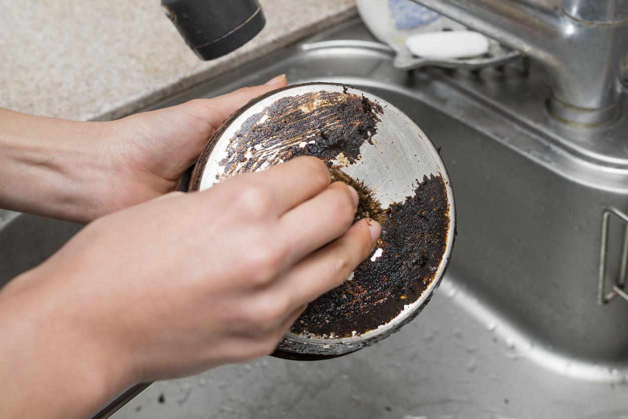 Trucos sencillos para limpiar ollas quemadas
