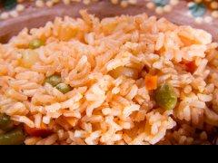 ¿Cuánto aceite se le agrega al arroz para que quede rico?