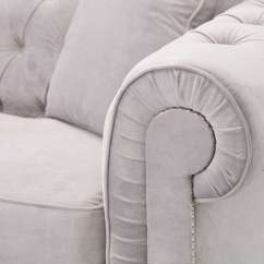 Light Grey Chesterfield Sofa With Dark Carpet Classic Velvet 3os Dekoria