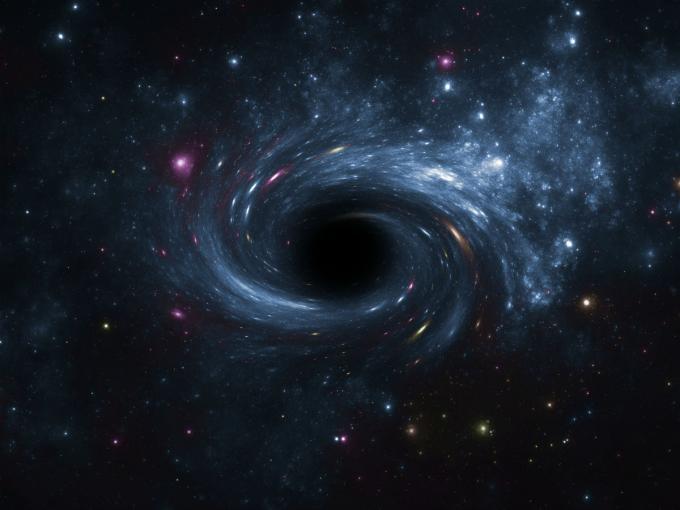 Qué pasaría si una persona cae en un agujero negro?