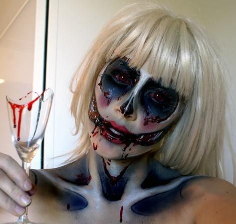 素人參加化妝比賽 金髮健身女教練畫出吸血鬼娃 | ETtoday新奇新聞 | ETtoday新聞雲