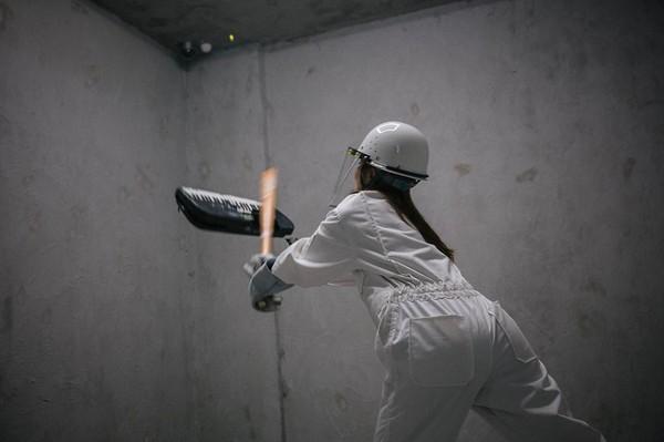 新加坡設東南亞首間「發洩屋」 玻璃用品任你砸 | ETtoday國際 | ETtoday新聞雲