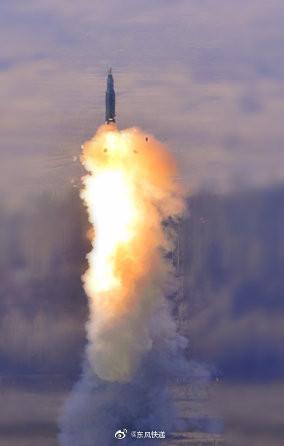 對美國秀肌肉? 火箭軍敏感時機首曝東風-31發射照   ETtoday軍武新聞   ETtoday新聞雲