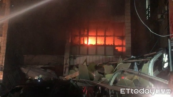 [新聞] 快訊/東海商圈氣爆4死!火球衝對巷6屋燃燒 一宅尋獲3遺體 - Mo PTT 鄉公所