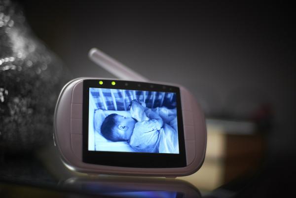 嬰兒監視器深夜傳詭異聲 媽發現陌生男偷窺6個月兒:你好可愛 | ETtoday國際新聞 | ETtoday新聞雲