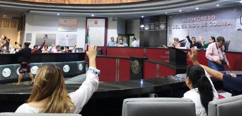 Colima también aprueba la reforma educativa