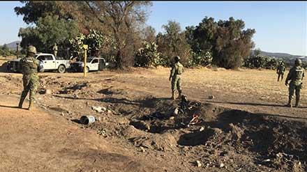 Soldados en el lugar de la toma clandestina