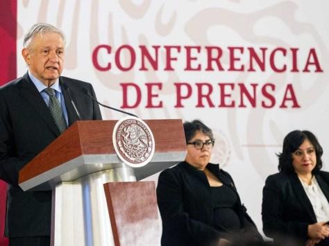 Resultado de imagen para Indagan a 3 funcionarios de Pemex por desvío de recursos