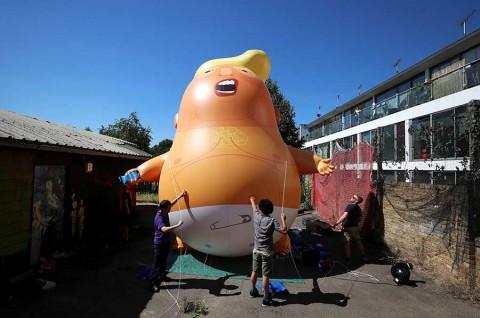 Inflable satírico espera a Trump en Reino Unido