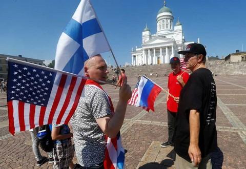 Trump anima a Putin a tener 'relación extraordinaria', al inicio de cumbre