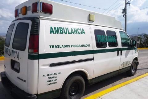 En el área designada para pacientes se encontraban ocho tambos de 200 litros de hidrocarburo. Foto: Emmanuel Rincón/ Corresponsal