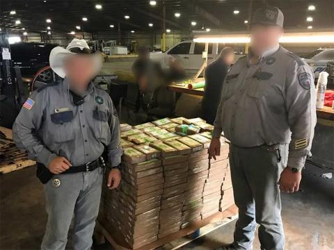 Donan un cargamento de plátanos a una cárcel, pero traía cocaína