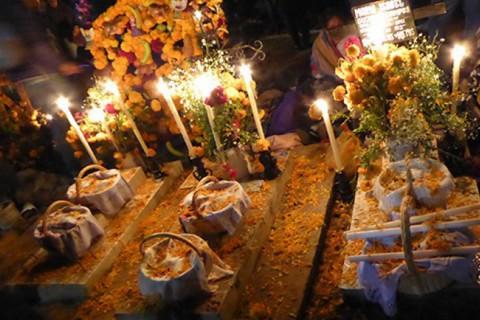 Si quieres saber más sobre la Noche de Muertos en Michoacán, da clic en esta imagen. Foto: Especial