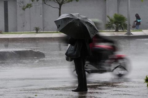 Se estima para el Golfo de México cielo nublado con tormentas puntuales muy fuertes acompañadas de actividad eléctrica en Tamaulipas y Veracruz, así como lluvias dispersas en Tabasco. Foto: Cuartoscuro