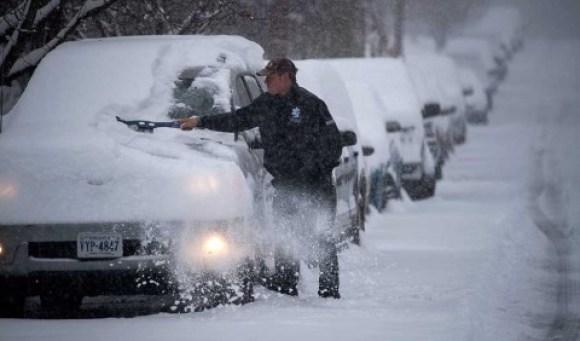 Tormenta invernal deja al menos un muerto y caos en Estados Unidos