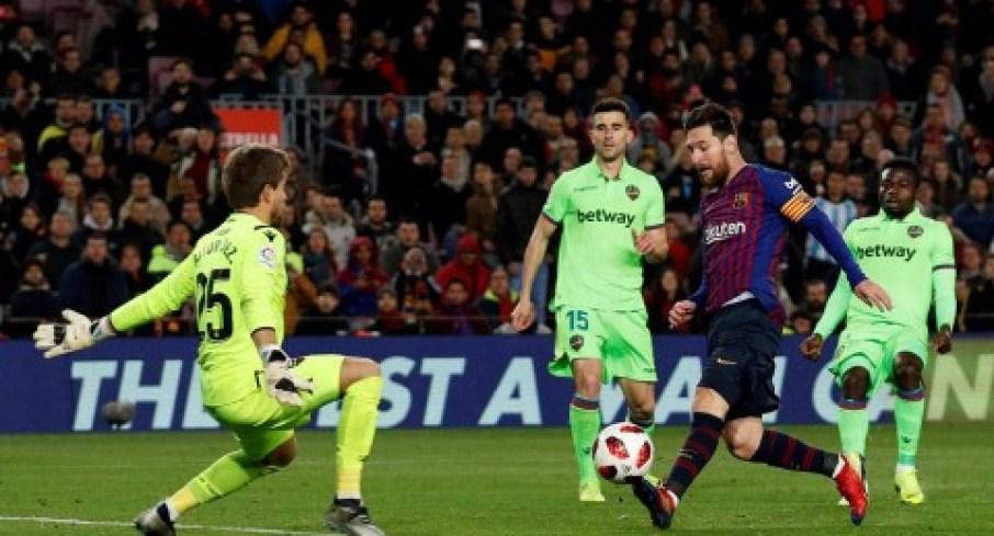 Messi gol Barcelona 3-0 Levante