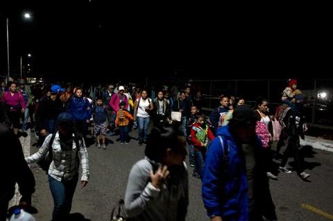 México no hace nada para detener caravana migrante: Trump