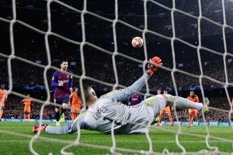 Barcelona avanza a cuartos de la mano de Messi