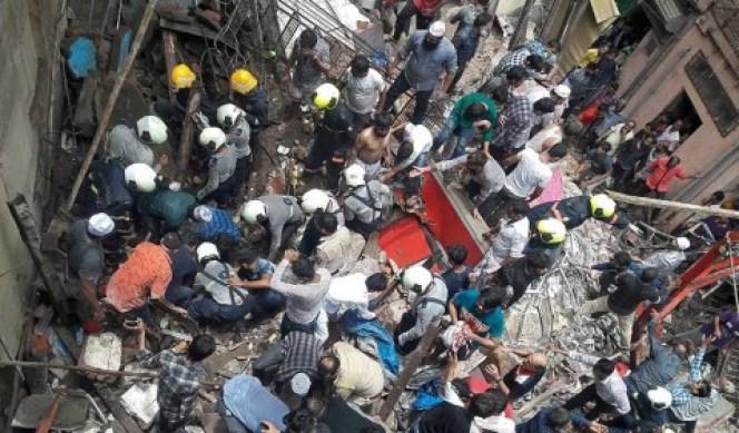 Derrumbe de edificio en India deja al menos 7 muertos