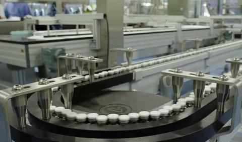Vacuna de Pfizer contra covid-19 sale de fábrica y espera permiso final