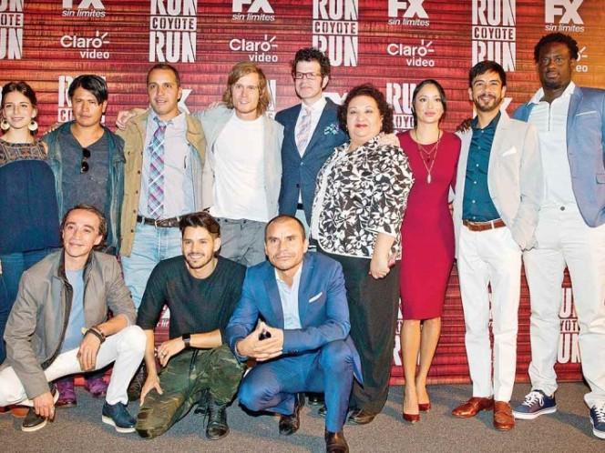 El elenco acompañó a Gustavo Loza en la presentación de la serie que se estrenará el 18 de septiembre.