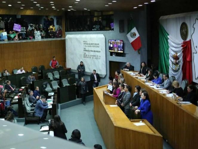 Dan de baja a diputado homofóbico en Nuevo León