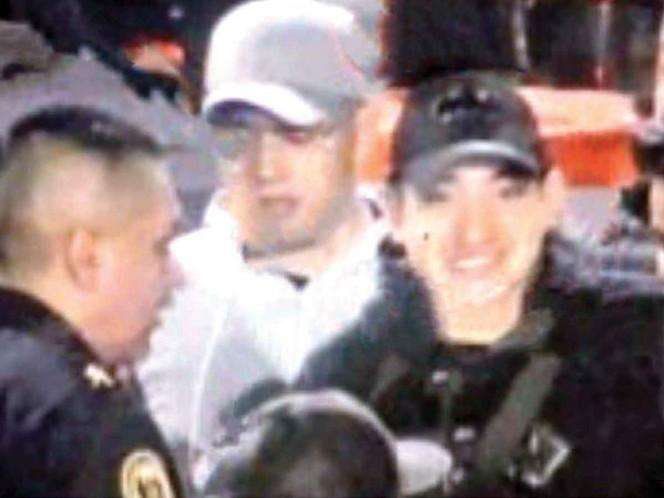 El Lunares, retratado conviviendo con policías antes del operativo. Foto: Especial