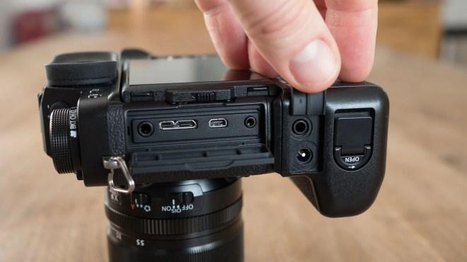 Fujifilm X-T2 sockets
