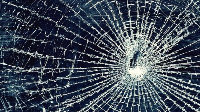 Cracked Iphone 5 Screen Wallpaper 6 Broken Screen Wallpaper Prank For Iphone Ipod Windows