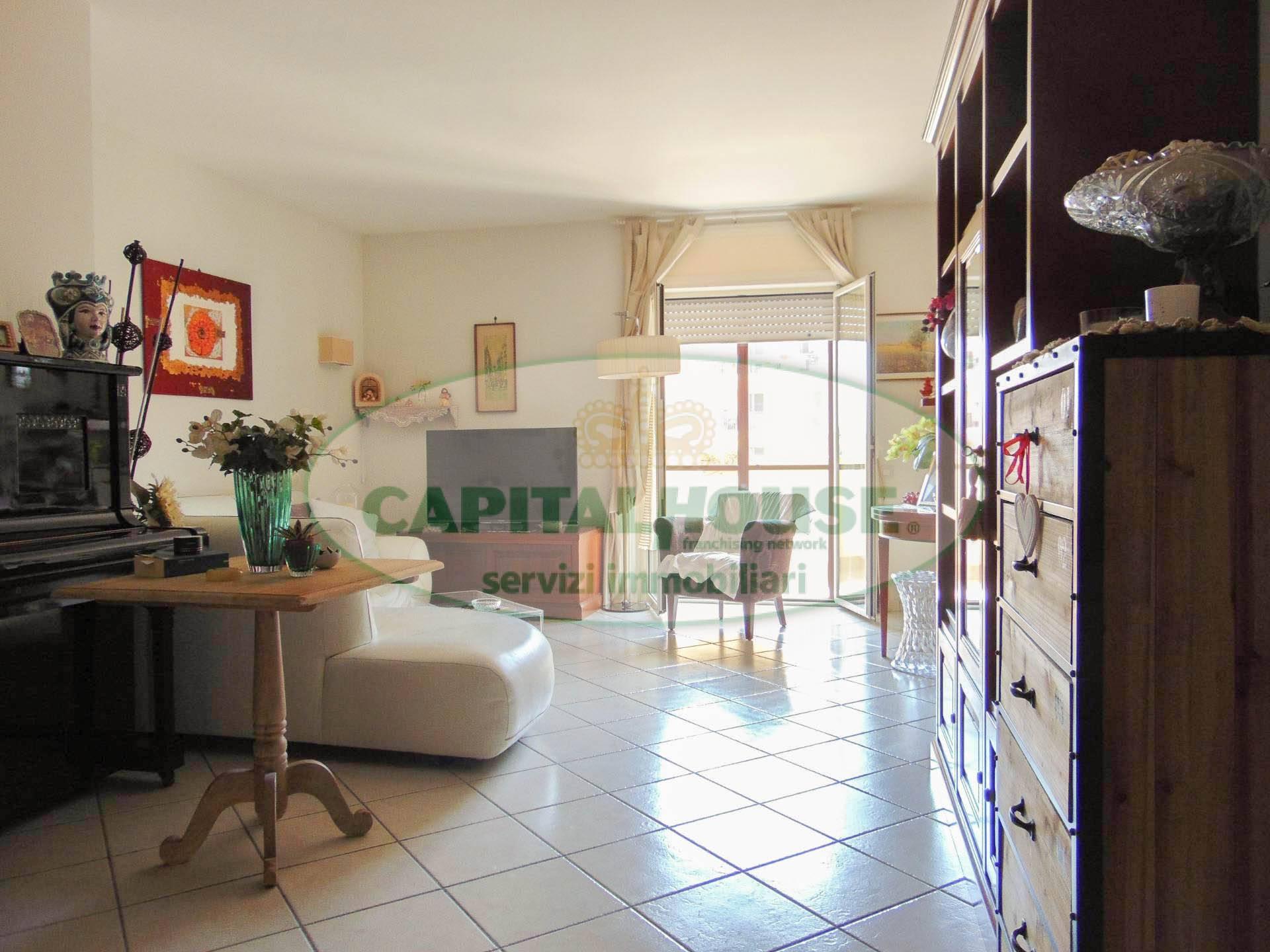 195SAN PRISCO  Appartamento in Vendita a San Prisco  Zona Piscina