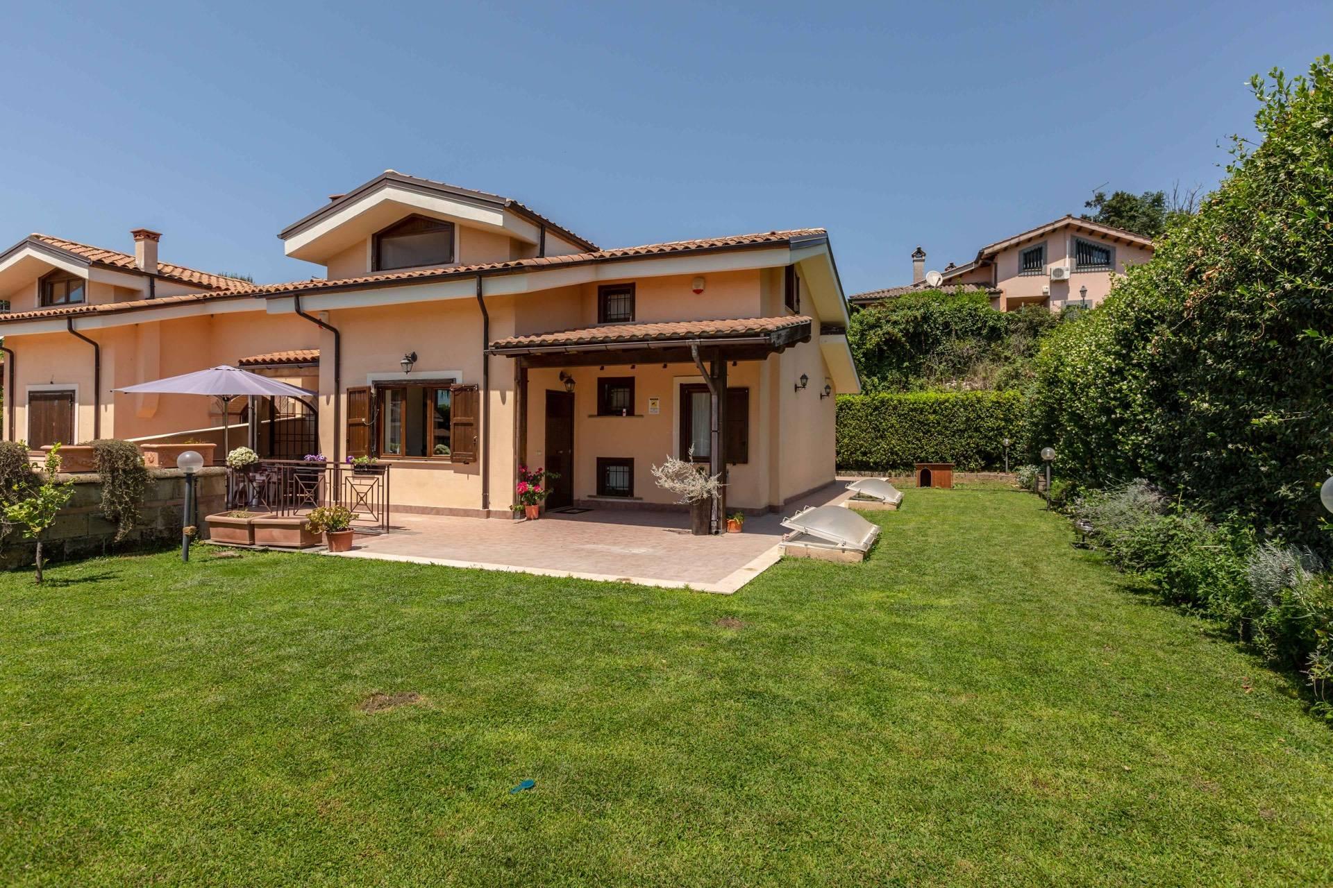 Guarda altre immagini sfogliando questa e altre gallerie. Villa Cottage For Sale In Sacrofano Ref Cbi038 1130 301019