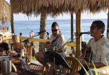 Barefoot Bar Waikiki Beach