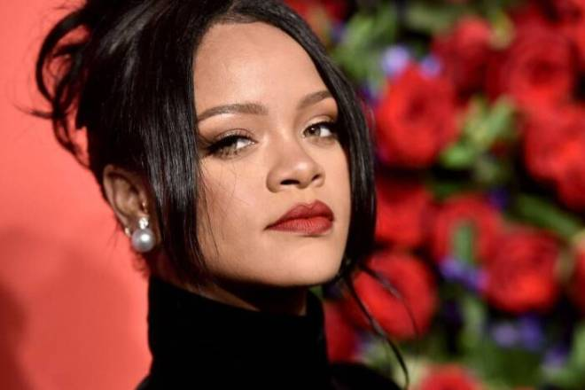 Rihanna-has-demanded-that-each-vote-must-be-counted RIHANNA HAS DEMANDED THAT EACH VOTE MUST BE COUNTED