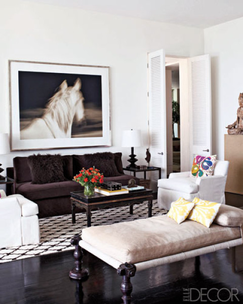 elle decor living room ideas 15 High Fashion Living Rooms with Geometric Decorator Rugs