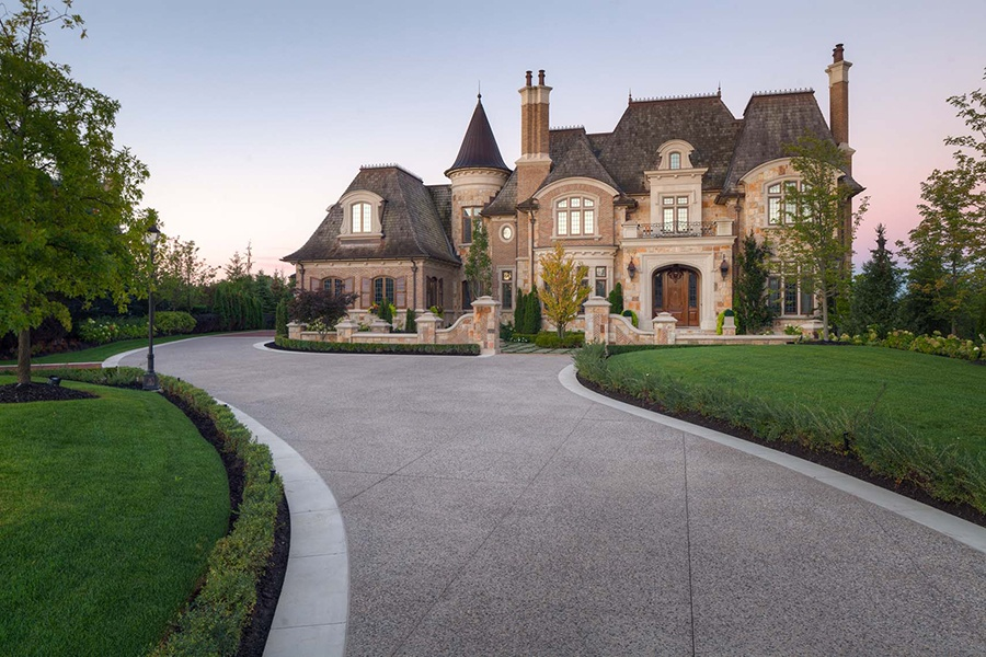 This spacious five-bedroom estate in Kleinburg near Toronto was designed to resemble a French château.