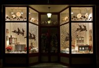 How To Visual Merchandise Your Retail Holiday Store Windows