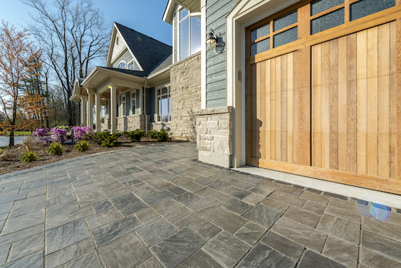how to align patio paver designs with