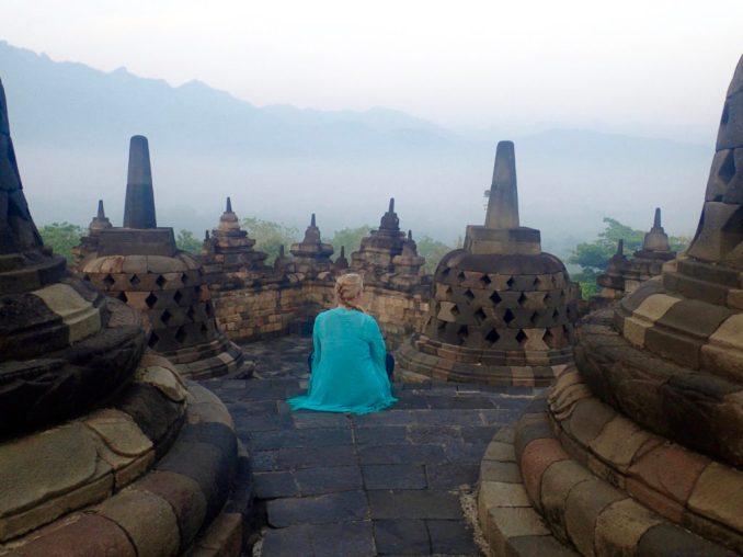 Sara-Mitchell-indonesia