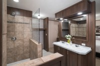 5 Bathroom Shower Design Ideas for Your Manufactured Home ...