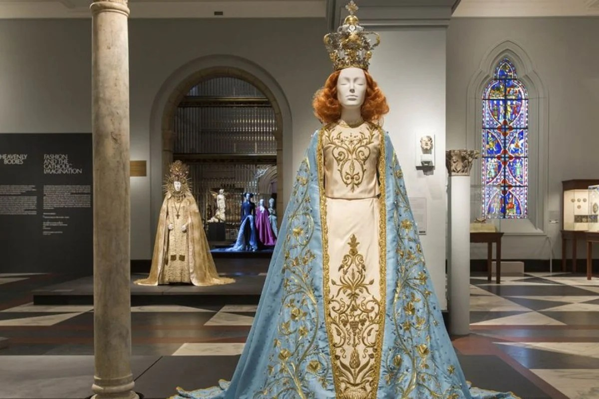 Heavenly Bodies Makes Met Museum History Visited Exhibition Style Magazine
