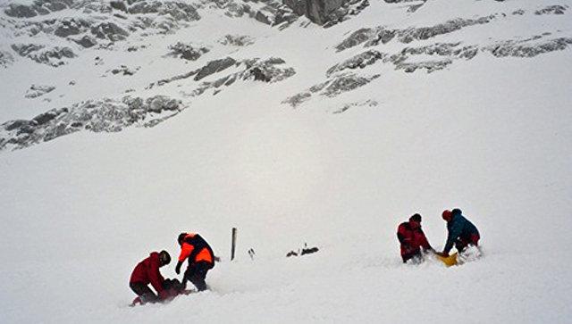 Поиск попавших под лавину в Хибинах. Архивное