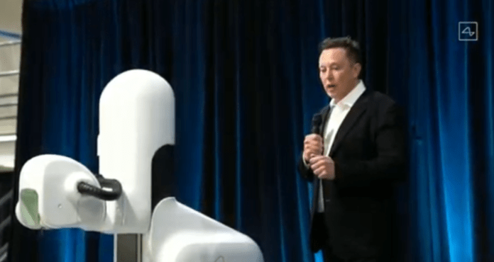 Elon Musk Fires Back at Bill Gates, Says He 'Has No Clue' About Electric Trucks
