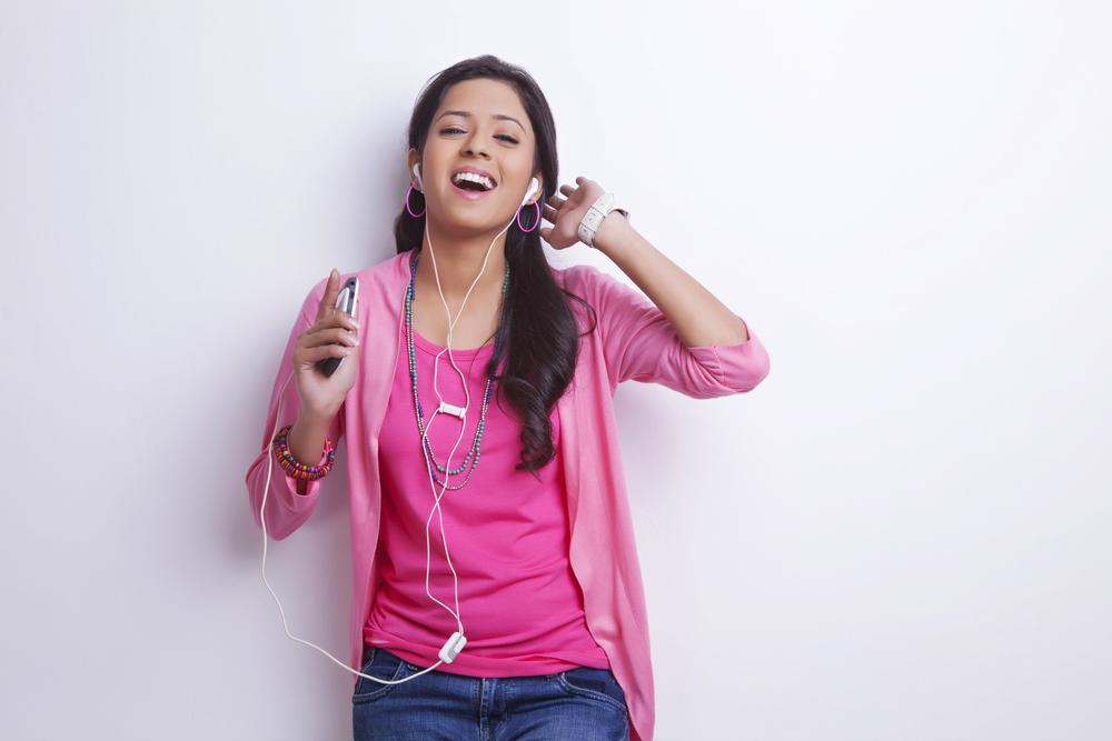 10 Easiest Hindi Karaoke Songs to Sing for Beginners ...