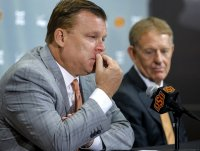 Oklahoma State basketball: Brad Underwood and Mike Holder ...