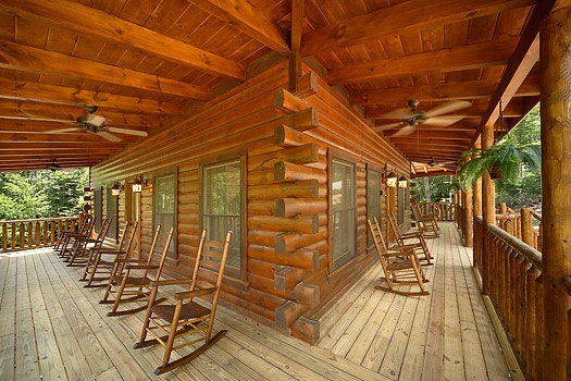 Pool House  A Gatlinburg Cabin Rental