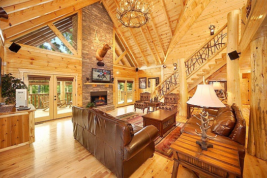 Living Room With Cathedral Ceilings At Incredible A 6 Bedroom Cabin Al Located In Gatlinburg