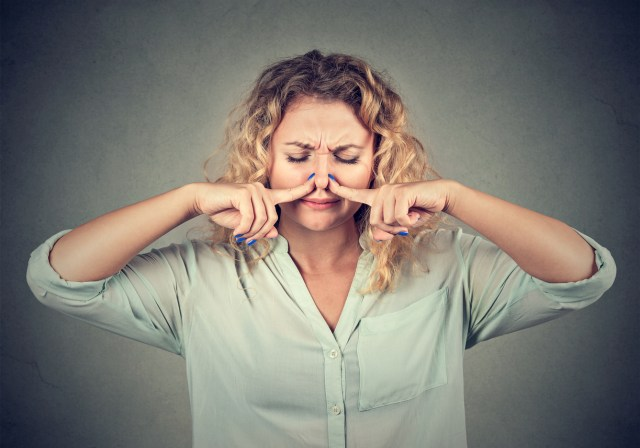 cómo saber si huelo mal