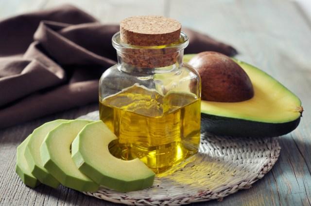 Mascarilla de yogur, aceite de aguacate y arcilla verde