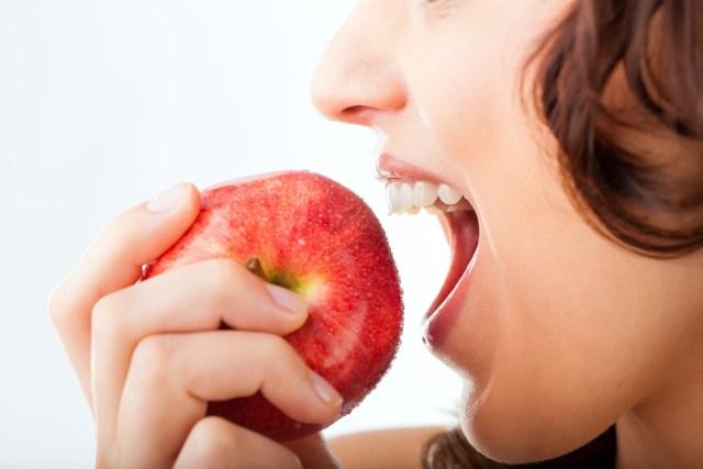 Comete una manzana