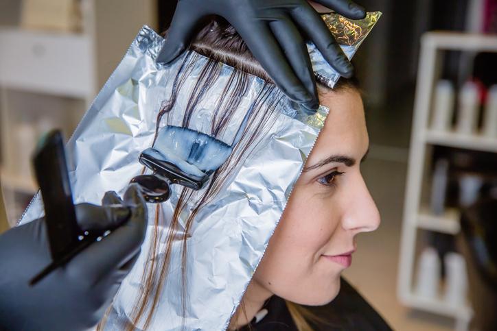 Tintes para el cabello causan cáncer